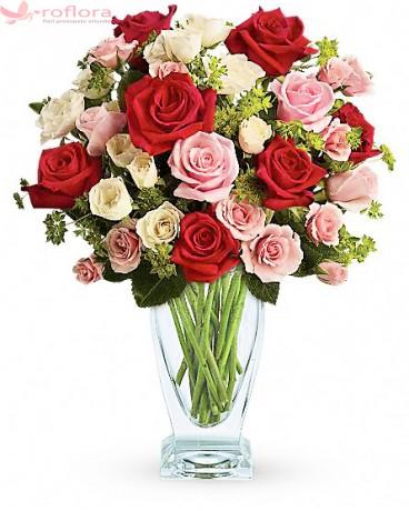 Buchet din trandafiri multicolori