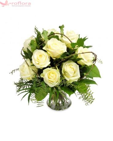 Alint – Buchet din 9 trandafiri albi