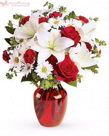 Allure - Buchet trandafiri rosii, crini si crizanteme