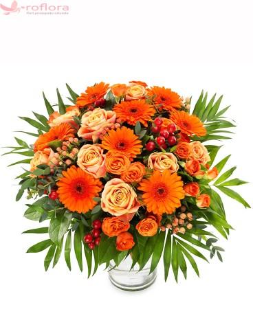 Apus – Buchet cu trandafiri, gerbera si minirosa