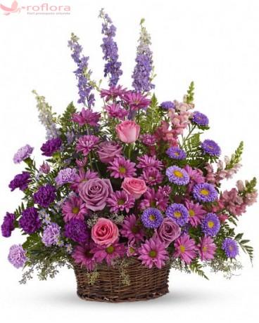 Classy Basket - Cos cu trandafiri, garoafe si crizanteme