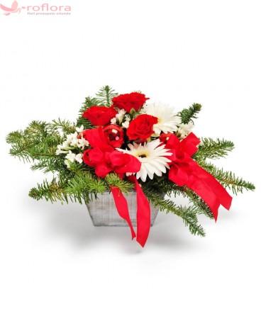 Colinda Florala – Aranjament in vas cu trandafiri si gerbera