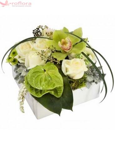Aranjament floral cu orhidei si anthurium