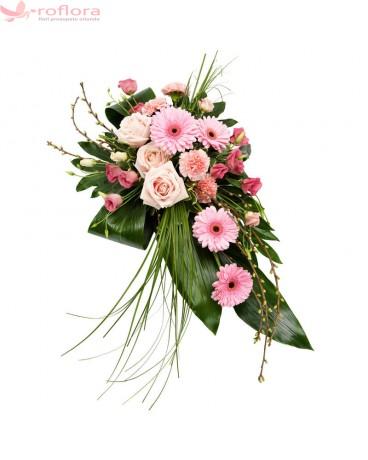 Coroana funerara cu trandafiri, gerbera, lisianthus si garoafe