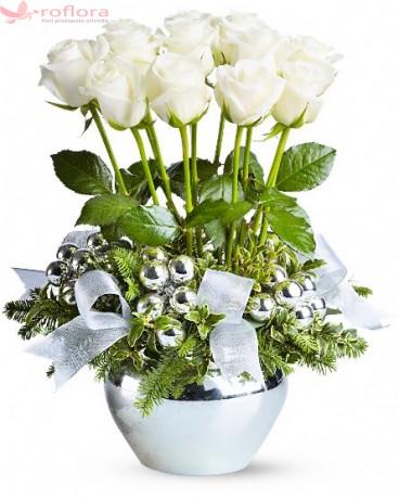 Craiasa Zapezii - Aranjament din trandafiri albi