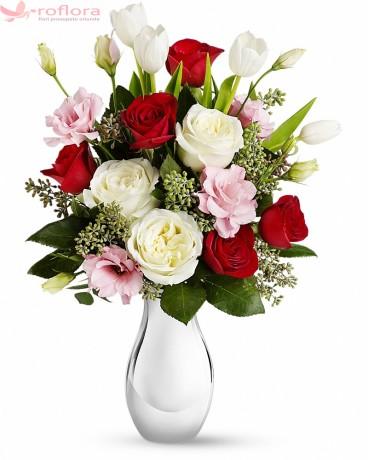 Dor de Frumos – Buchet din trandafiri si lisianthus