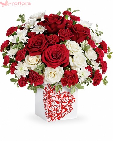 Farmecul Iubirii – Buchet cu trandafiri si crizanteme