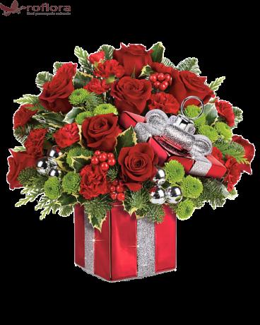 Feerie de Craciun – Aranjament cu trandafiri si garoafe