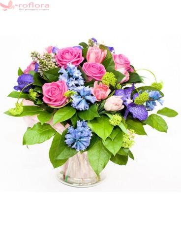 Floral fiesta Deluxe - Buchet din trandafiri, zambile si orhidee