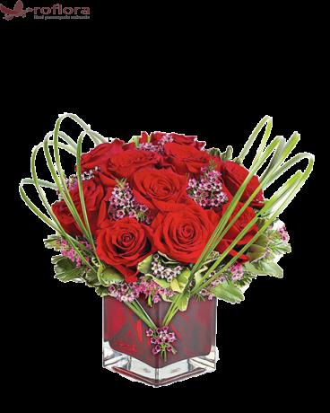 Flower Art – Aranjament cu 11 trandafiri rosii