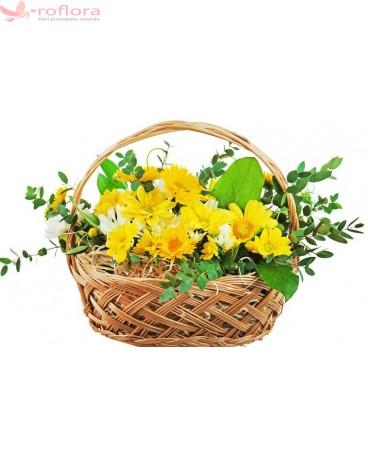 Cos cu flori galbene