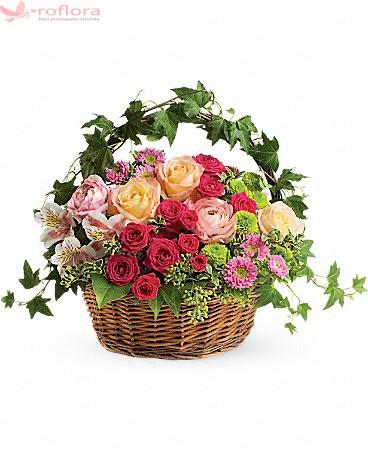 Cos cu trandafiri, minirosa, crizanteme si alstroemeria