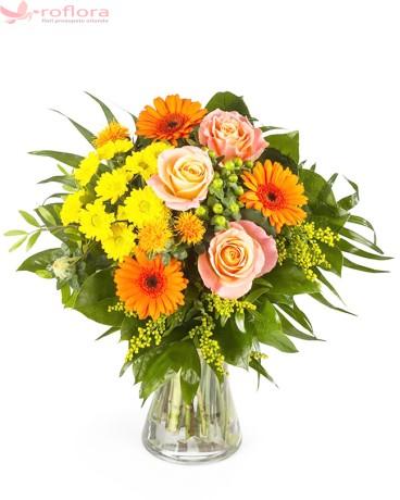 Buchet cu trandafiri, gerbera si crizanteme