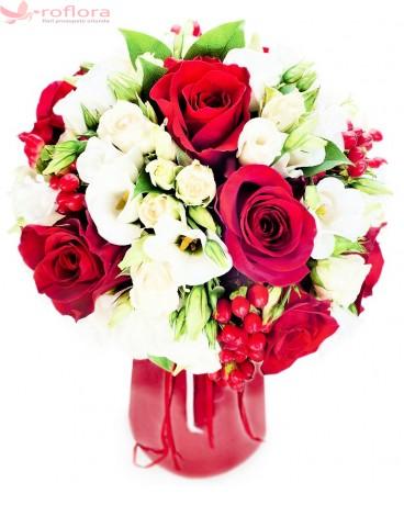 Intense - Buchet din trandafiri si eustoma