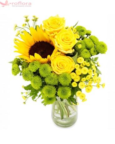 Oxygen – Buchet cu trandafiri, crizantema si floarea soarelui