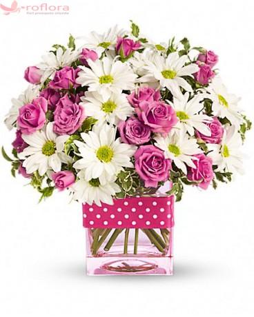 Happy Mom  - Buchet din minirosa si crizanteme (margarete)