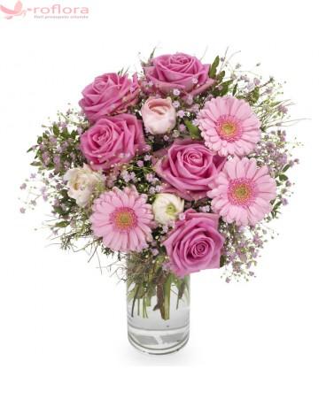 Pink Touch – Buchet din trandafiri si gerbera