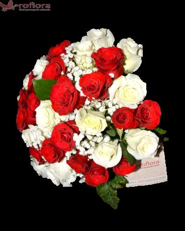 Rosu si alb - Buchet din 17 trandafiri rosii si 16 trandafiri albi