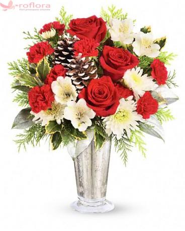 Stralucirea Iernii - Buchet din trandafiri, alstroemeria si crizanteme