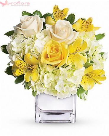 Buchet din trandafiri, hortensii, alstroemeria