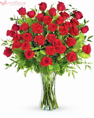 Tentatia Dragostei – Buchet cu 37 trandafiri rosii