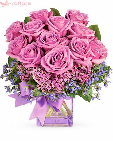 Viata in Roz – Aranjament cu 13 trandafiri roz