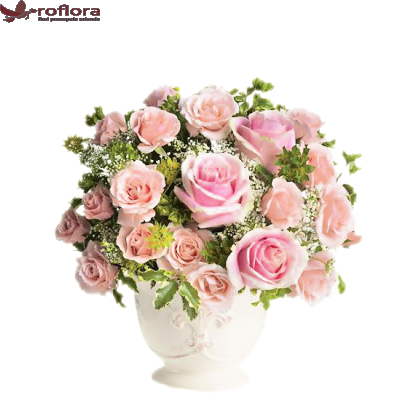 Charmant - Buchet din trandafiri si minirose roz