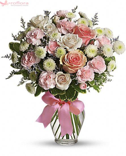Buchet din trandafiri, garofite si crizanteme