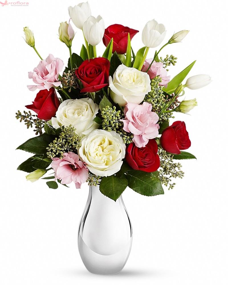 Buchet din trandafiri si lisianthus