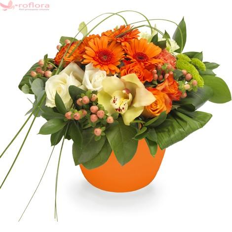 Aranjament din orhidee, trandafiri, gerbera