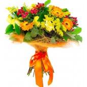 Garden Club Bouquet - Buchet din trandafiri, gerbera si hypericum