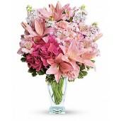 Parfum si feminitate - Buchet din crini roz, hortensie roz, delphinium alb, alstroemeria si garoafe roz