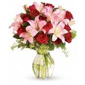 True love - Buchet de trandafiri si crini