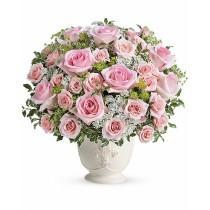 Bundle of Joy – Aranjament cu trandafiri roz