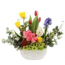 Dor de Duca – Aranjament cu lalele, zambile, crizanteme si trandafiri