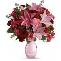 Love scent Deluxe - Buchet din trandafiri, crini si garoafe