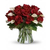 Moments - Buchet din trandafiri rosii si cale albe