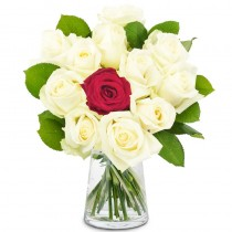Romantique – Buchet din 12 trandafiri