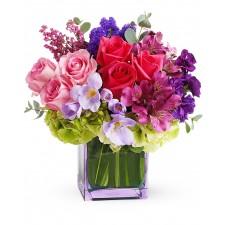 Eden – Aranjament cu trandafiri, hortensie, frezii si alstroemeria