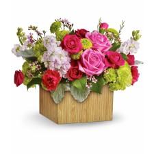 Emotie – Aranjament cu minirosa, trandafiri, crizanteme si waxflower