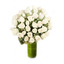 Esti in Inima mea – Buchet din 37 trandafiri albi