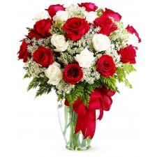 Iubire si devotament – Buchet din trandafiri rosii si albi