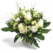The Smell of Friendship – Buchet din eustoma si trandafiri