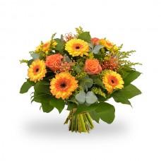 Raze de Soare – Buchet cu trandafiri si gerbera