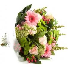 The Perfect Bouquet - Buchet din trandafiri, gerbera si hypericum